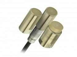 Inductive displacement sensors based on eddy currents are used for precise displacement measurements.